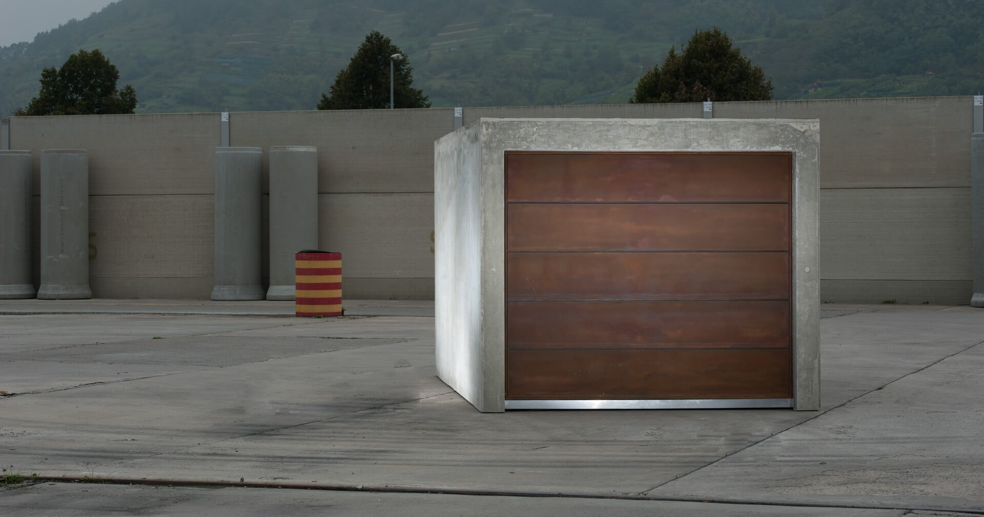 b ton brut als beton fertiggarage. Black Bedroom Furniture Sets. Home Design Ideas