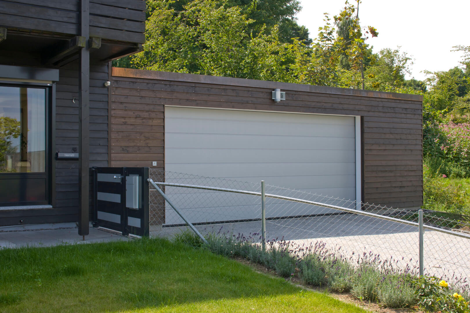 Doppelgarage modern holz  Maß-Fertiggaragen von Beton Kemmler